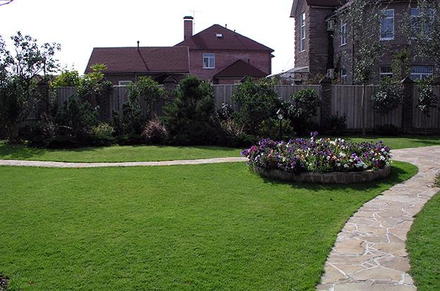 path-lawn4
